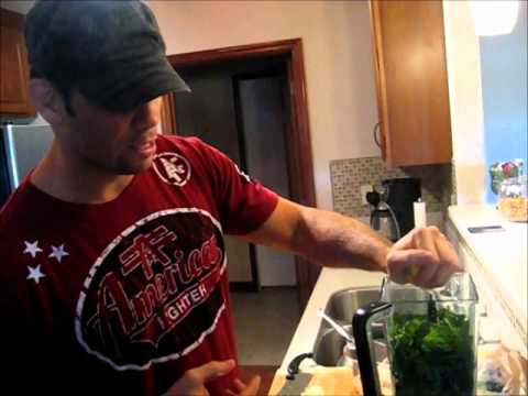 Rich Franklin cooking- green breakfast shake