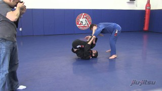 Triangle Chokes From Upside Down Guard- Sean Roberts