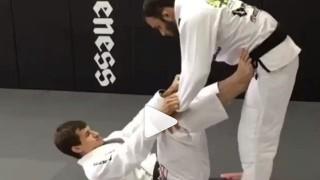 "Omoplata from Leg Lasso – Osvaldo ""Queixinho"" Moizinho"