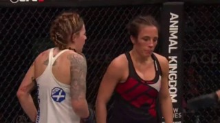Joanne Calderwood vs Valerie Letourneau – UFC FN 89
