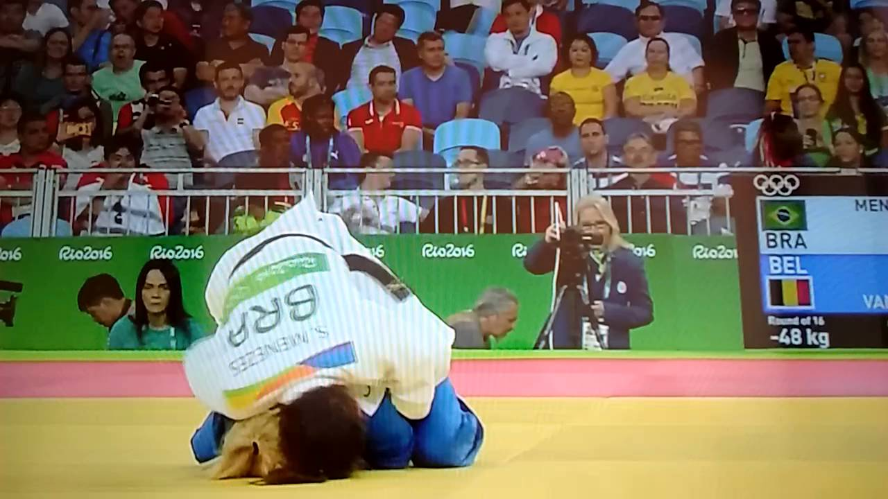 Defending JUDO gold medalist Sarah Menezes eliminated by armbar