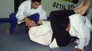 Throwback: CHUCK NORRIS training BJJ in 1992