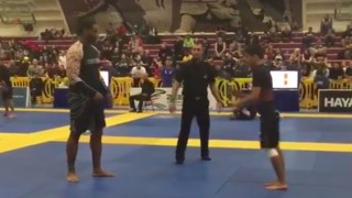 BJJ Works! Rooster Weight Defeats Ultra Heavyweight Monster