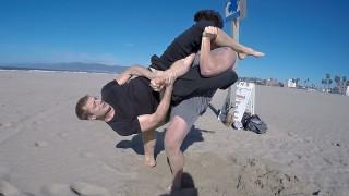 BJJ 1yr White Belt vs BODYBUILDER 42 lbs weight difference!