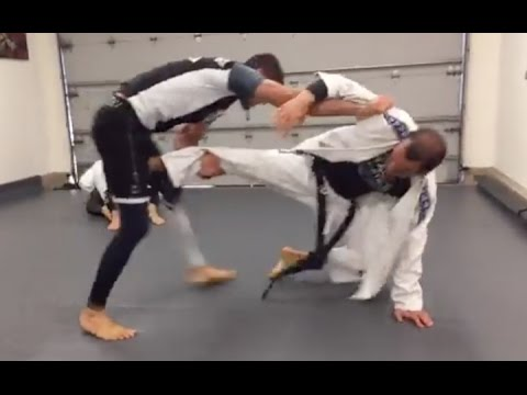 Ryron vs. Rener Gracie (Live Sparring Footage)