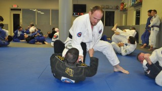 Does a Black Belt Automatically Qualify Someone to Teach Jiu-jitsu? – Gracie Breakdown