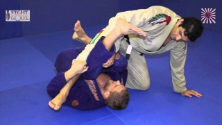 Alexander Trans shows foot submission from Deep half guard