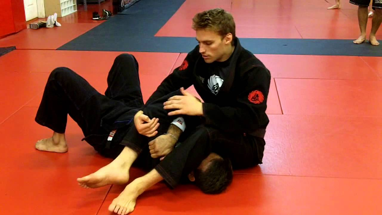 Armbar / Omoplata transition from Mount With Clark Gracie