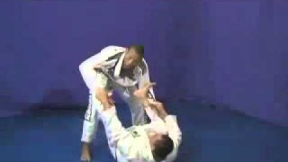 Jacare Souza- Passing Butterfly and Spider Guard