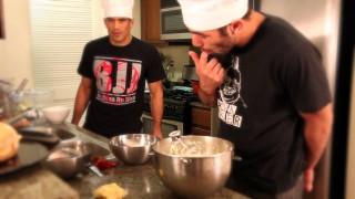 Cobrinha teaches you how to bake a pie