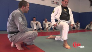 Double under guard pass 'The Warrior's walk'- Saulo Ribeiro -