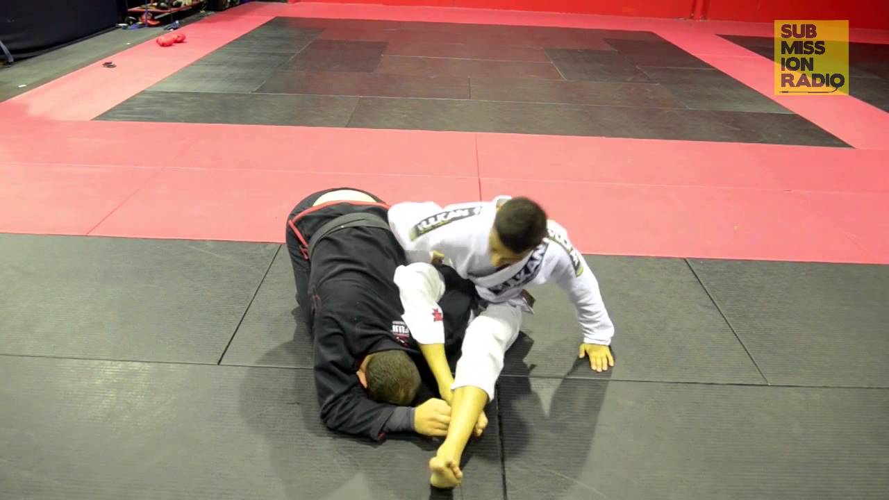 How to do a FLYING Omoplata!