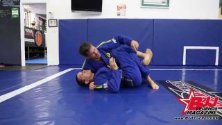 Murilo Bustamante – Half guard Kimura with roll