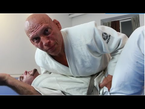 Jiu-Jitsu Heart Stopper (DO NOT TRY THIS AT HOME)