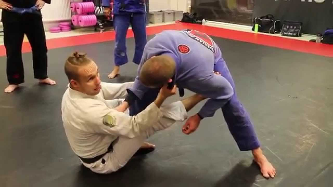Setting up the sit up guard plus two sweeps