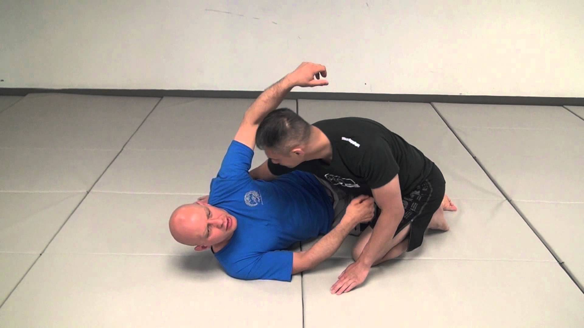 4 Mistakes That Kill Your Half Guard