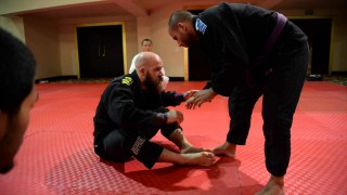 Great White Grip to Triangle Choke with Kit Dale