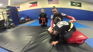 How to teach a front roll / somersault to kids