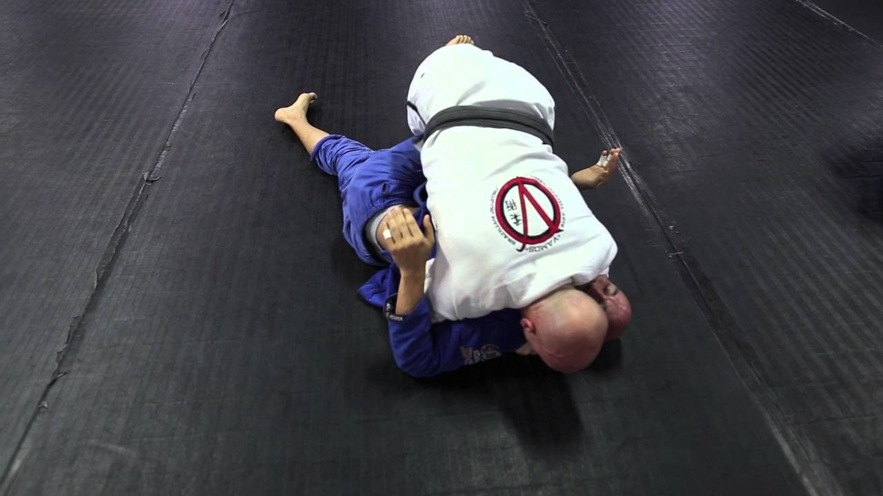 Smash Half Guard Pass to Side Control
