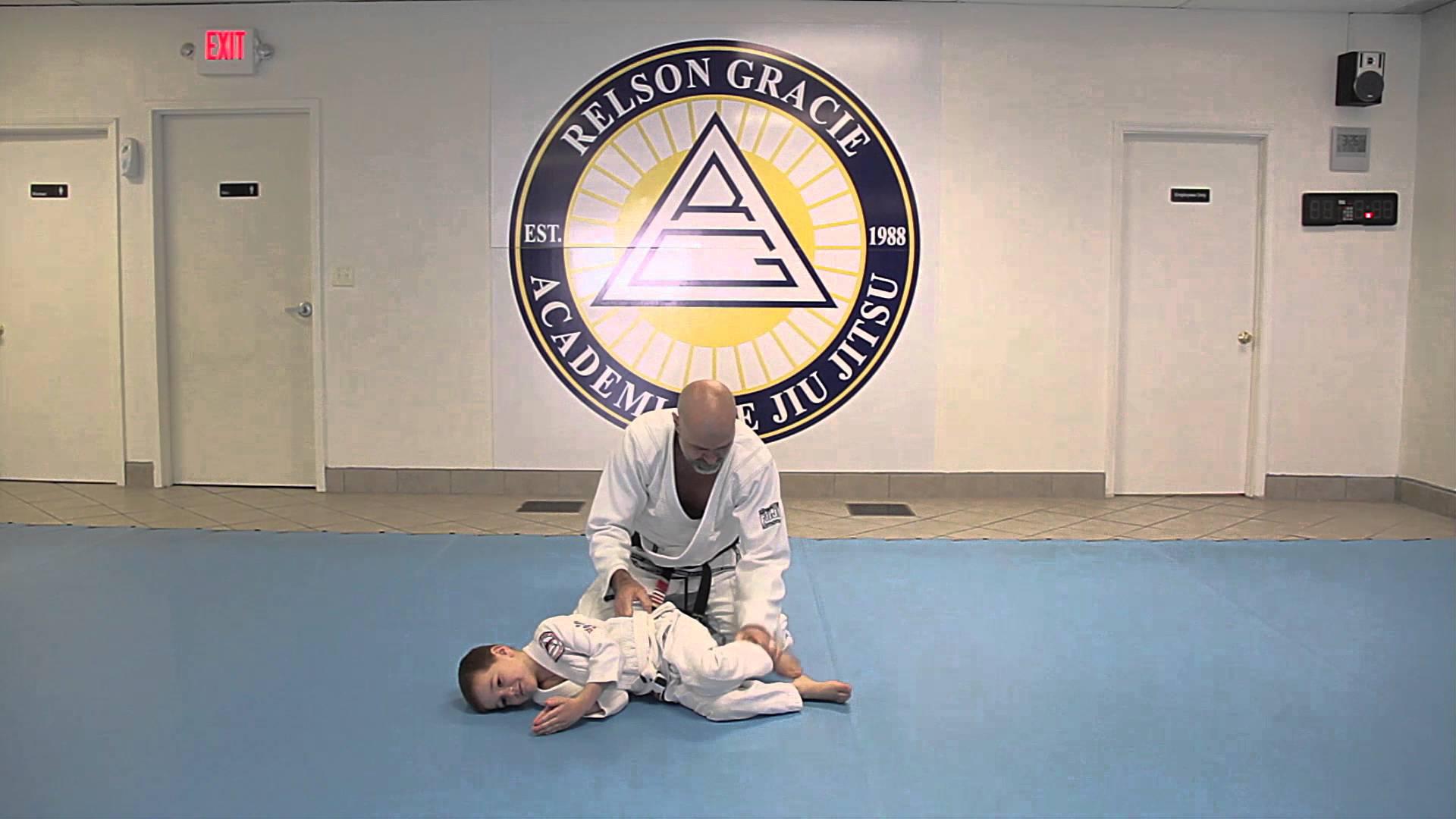 How to Play Jiu-Jitsu With Your Kids – Teaching the Shrimp Crawl