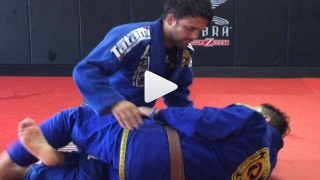 Cross Choke setup from halfguard – Robson Moura