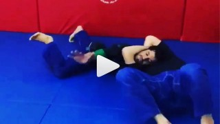 D'Arce Choke demonstration – Jean Jaques Machado
