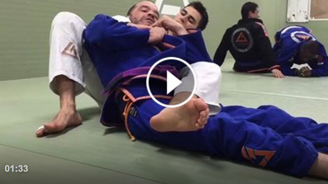 Bow & Arrow Defense (when you can't move lower extremities)- Maximiliano Ulloa