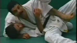 Old School Gracie Instructional on escaping Headlocks