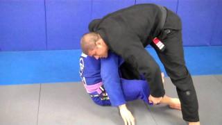 Standing rolling loop choke – Marcelino Freitas