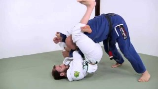The 'stomping triangle' submission from spider guard – Elliott Bayev