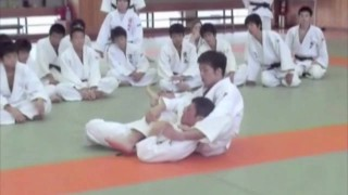 Rolling Lapel Choke from Turtle – Koji Komuro