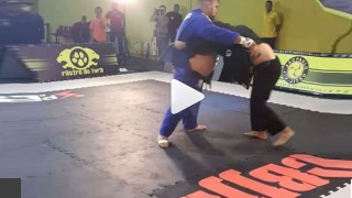 Ultra Heavyweight meets Medium Heavy – And Loses!