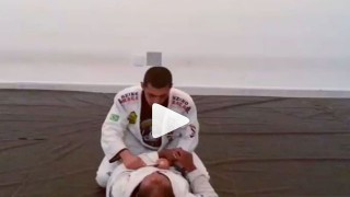 3 attacks when Opponent wants to Open your closed guard – Gustavinho