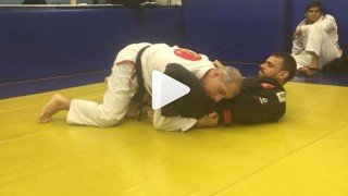 Guard Pass Variations  – Ricardo De La Riva