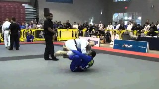 Guard pull to X guard sweep set up – Jackson Souza