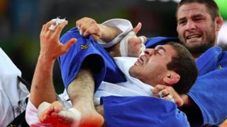 Travis Stevens Bow & arrow Chokes World Judo Champion