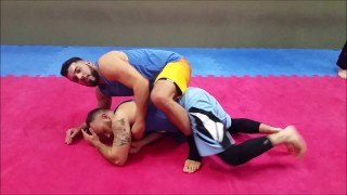 Hold the Clinch to Easy Takedown – Andre Machado