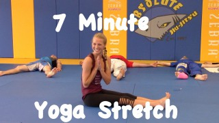 7 Minutes of Yoga for BJJ – Cassidy Jane