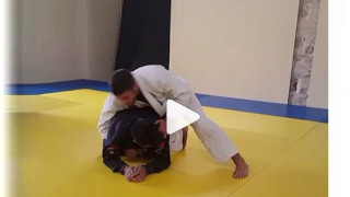 Reverse Omoplata From Top Turtle – Luca Anacoreta