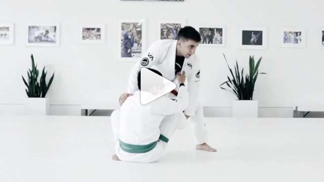 Counter attacking the sit up guard – Gui Mendes