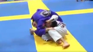 Sick loop choke from standing position by Cemîl Karahan @ EURO 2017