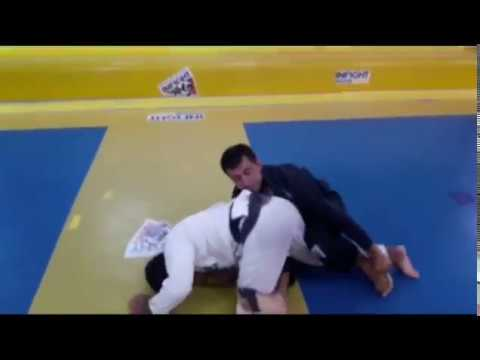 Learn a drill for berimbolo flow in Jiu-Jitsu – Rogério Poggio