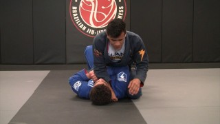 Armbar from Mount  – Cobrinha