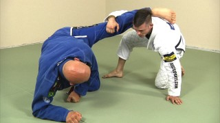 Attacking from de la Riva Guard if Your Opponent is Stripping Grips Like Crazy – Stephan Kesting