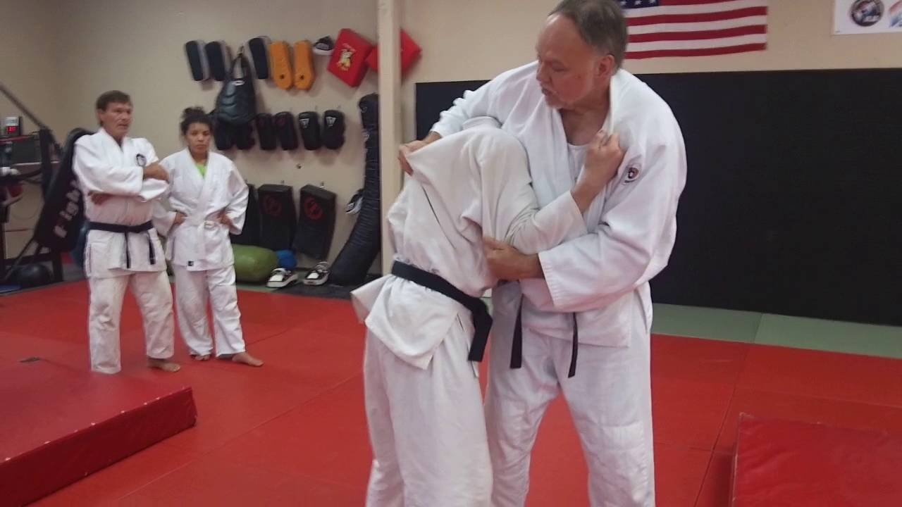 Sambo Approach To Gripping & Throwing