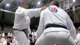 Rickson Gracie – Shoulder grab defense