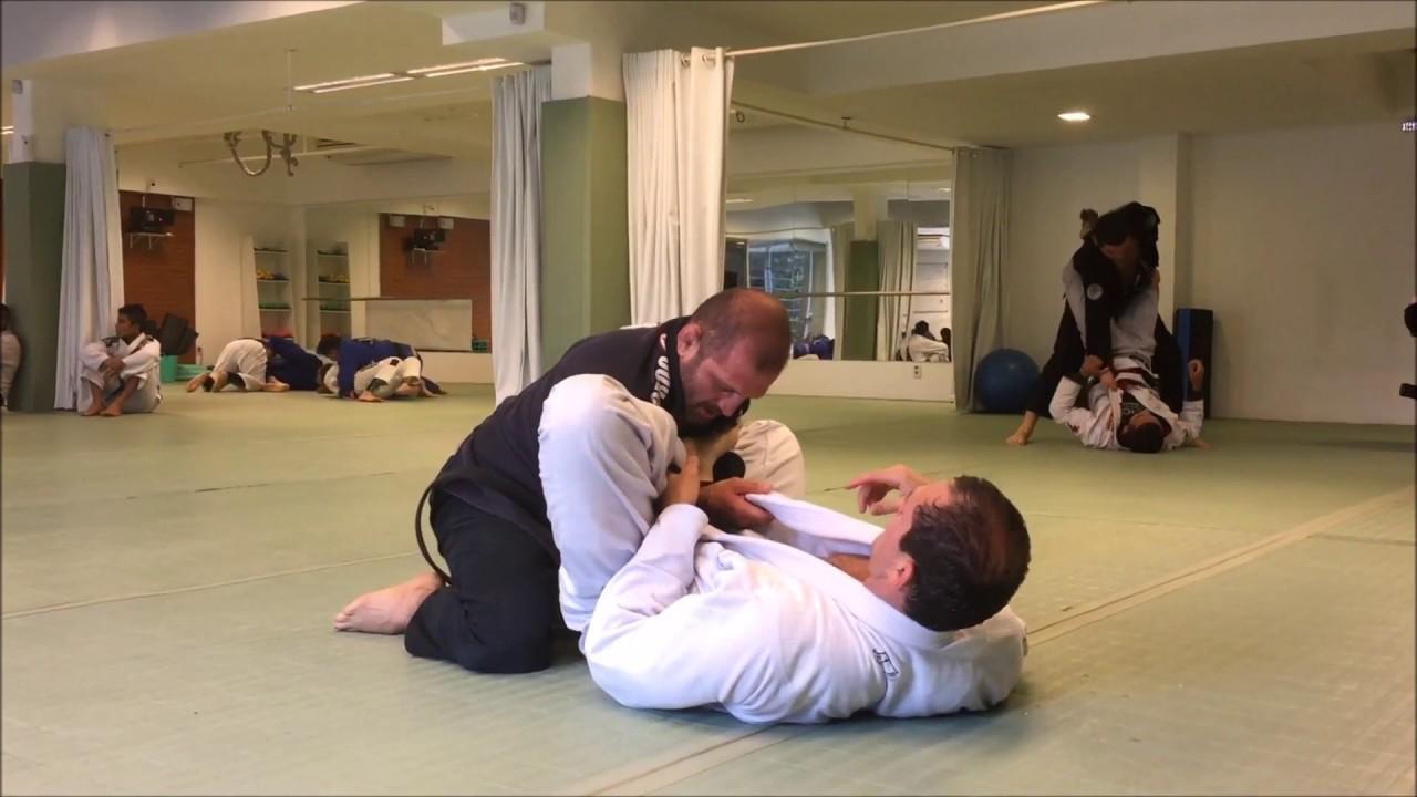 Jiu-Jitsu roll between Ralph and Roger Gracie