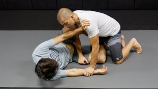 Knee Shield Half-Guard Pass -Gustavo Gasperin