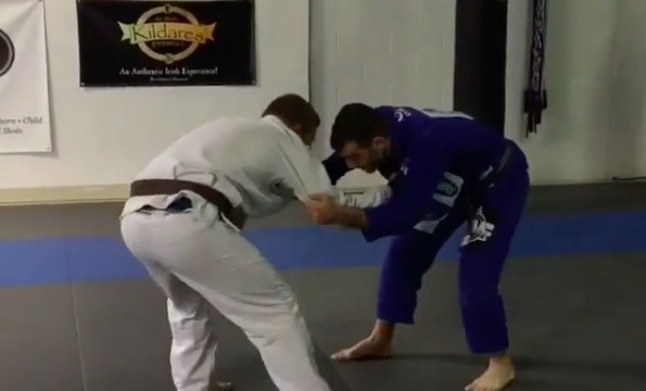 How To Pull Half Guard Straight To a Sweep