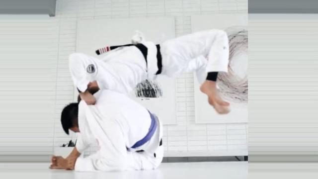 rafa mendes demonstrates some serious ninja moves